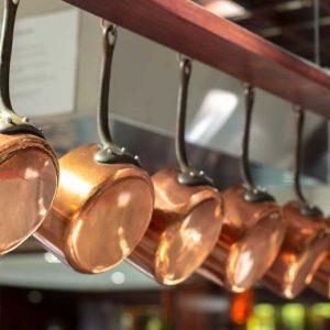 Comment nettoyer une casserole en cuivre ?