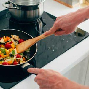 Quelle poêle choisir pour cuisiner sainement ?